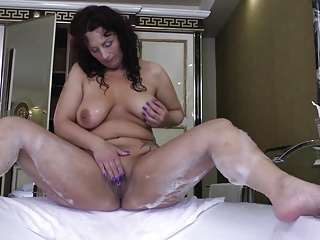 Obese curvy MOM with hefty ass coupled with sex hunger