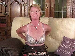 Unhealthy British mature mom playing with her messy pussy