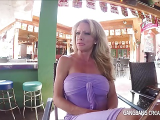 Fitness milf gets Gangbanged and Creampied by 5 Strangers