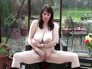 Shove around humble mature overprotect with messy pussy