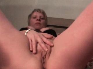 Slutty mature loves masturbating her pussy