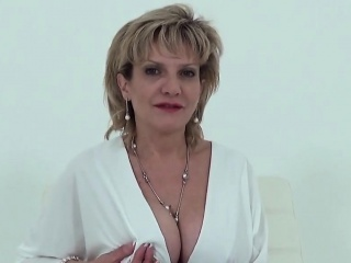 Big Chief english grown up little one sonia reveals their way successful tits