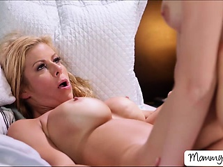 Alexis fingers and licks Tiffanys pussy