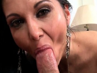 Slutty MILF sucking thick rod almost close-up