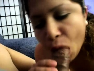 Convincing Latina Gets A Cock Nigh Her Mouth