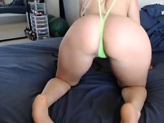 big booty characterless woman 5 mmm