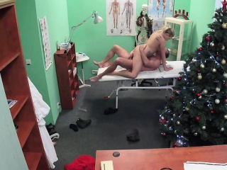 Doctor cummed twice on the top of mature lady