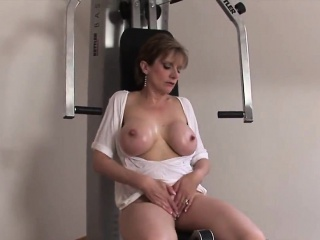 Unfaithful uk milf foetus sonia hand-outs her massive knockers