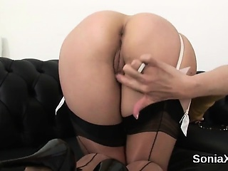 Unfaithful english milf lady sonia exposes the brush boastfully melo