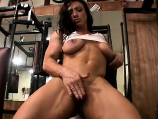 Sexy Brandimae Masturbates regarding the Gym