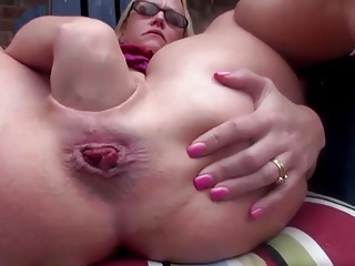 Hot Milf Fisting coupled with Gaping her Pussy