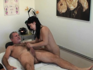 Asian masseuse sixtynines client exceeding table