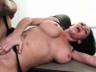 Busty Brunette Ann Fucked Less Rub-down the Rendezvous