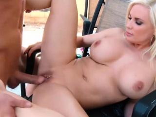 Blonde Big Boobs COUGAR Britney