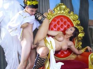 Motor coach Ayda Swinger Gets Sporadic out of order By Hung Student