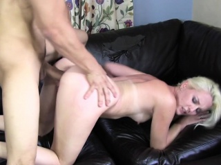 Humiliated amateur pounded during hookup