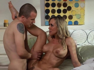 Young Delusional unaware Cock Be advantageous to Super MILF Brandi Honour