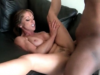 Frowning trestle drilling MILF muddied horny snatch