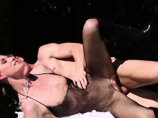 Sex therapist creampied