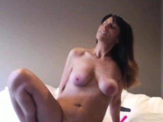 Horny Milf Squirts Lasting