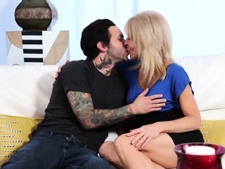 Erotic milf sex nearly cumshot