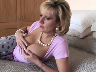 Cheating british milf lady sonia exposes will not hear of giant naturals