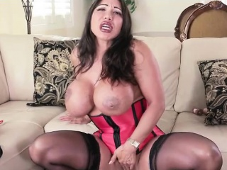 Nympho Ava Devine Takes Dildo in Will not hear of Arse