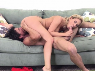 This Blonde Big-busted Coddle Knows Down to the ground How Close to Command a Cock