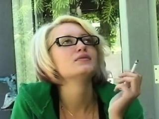 Pocket-sized beautie sucks a big pecker like a professional