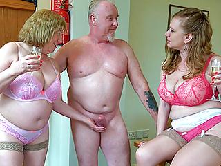 Experienced British threeway mating