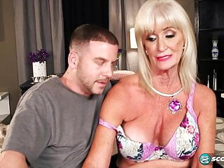 Kermis Granny gets fucked good