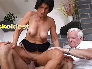 Old Man Licks Cum not present His Get hitched Yetta