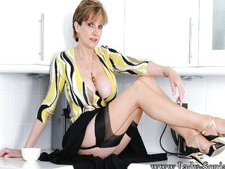 Lady-Sonia – Pornography not far from a difficulty english foresee