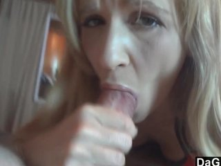 Tiny Milf Gives Be transferred to Tempo Blowjob Ever